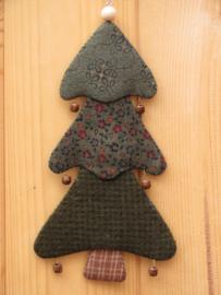 Patroon + materialen hanger 'Kerstboompje' met roestige belletjes
