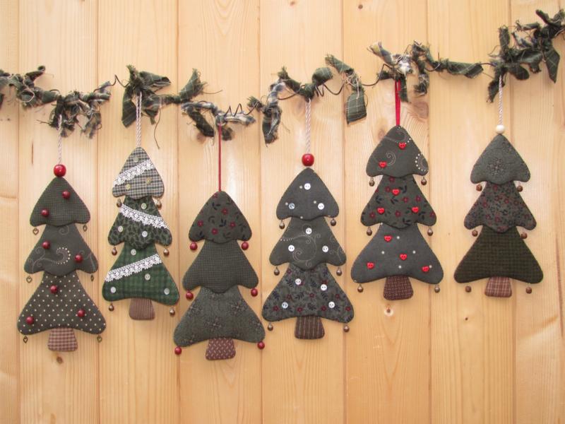 Mega pakket: patroon + materialen voor alle 6 kerstboompjes