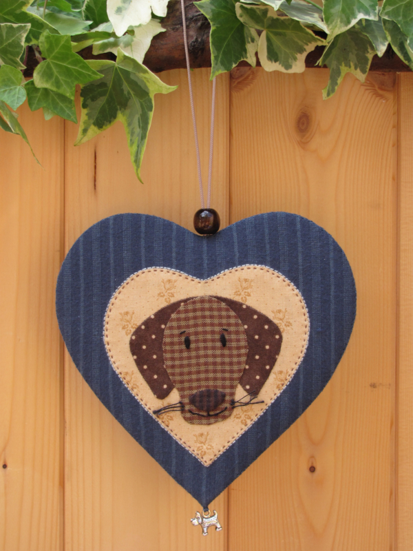 Patroon + materialenpakketje hanger hart 'Hondje'