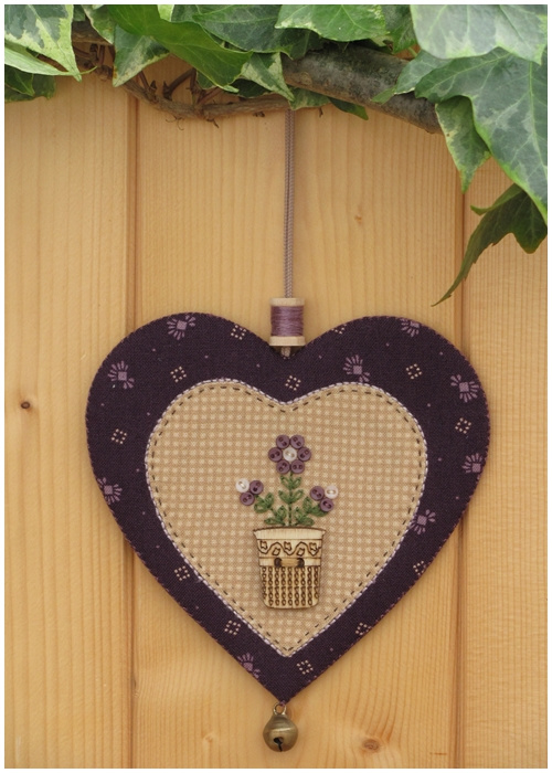 Patroon + materialenpakketje hanger hartje 'Bloemen' paars