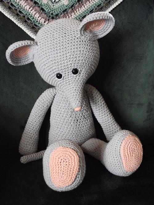 Haakpakket XXL Funny Mouse basic grijs staand of zittend