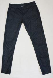 Zwarte broek met printje - Mt. 4