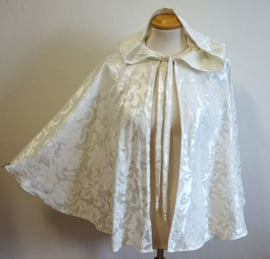 Gebroken wit cape