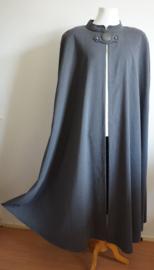 Lange grijze cape