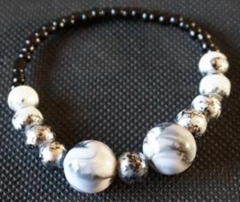 Armband zwarte / witte kralen