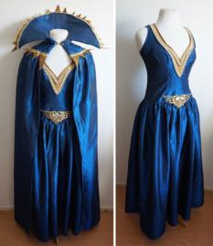 Nachtblauwe jurk met cape - 4 delig