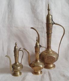 3 Schenkkannen - India koper