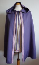 Lavendel cape met sierband