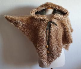 Beige teddy schoudercape