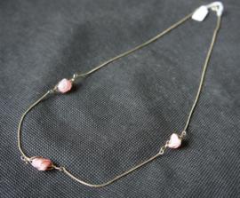 Ketting met roze steentjes