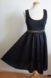 Mouwloze little black dress - Mt. M