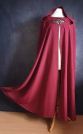 Lange wijnrode cape
