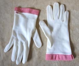 Creme handschoentjes