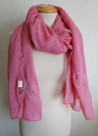 Roze sjaal met borduursel