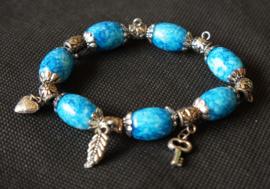Armband blauw met bedeltjes