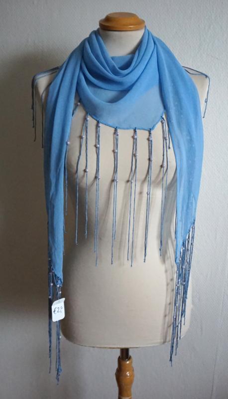 Lichtblauwe sjaal met lange franjes