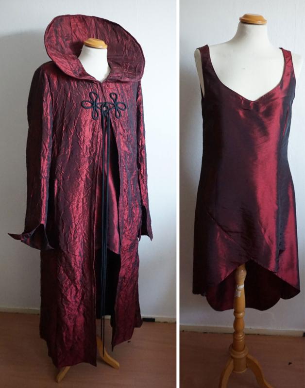 Rode jurk met jas - 2 delig