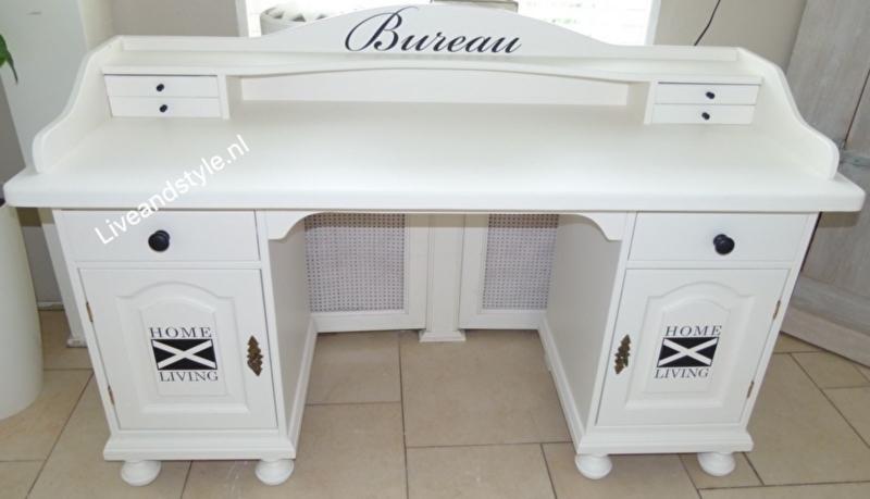 Uniek landelijk bureau in Riviera wit met sleutel
