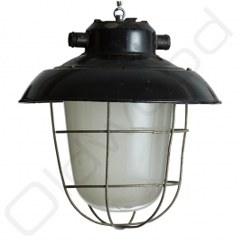 Industrial lamp with iron cast black