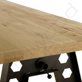 Robust table ''Austin''