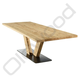 Robust table ''Rome'' (wooden legs)
