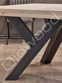 Robust table ''Sturdy Leg''