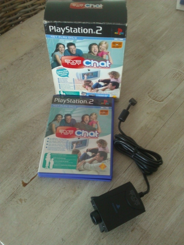 Eyetoy Chat plus camera in doos (ps2 used game)