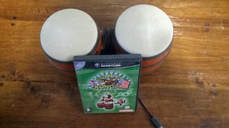 Donkey Konga 2 met bongo's (Nintendo Gamecube tweedehands)