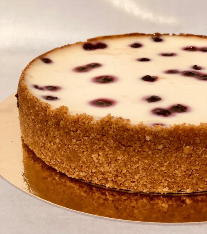 Cheesecake met witte chocolade en cassis