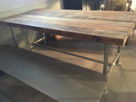 Robuuste ee tafel met verzinkt onderstel ( 2 meter)