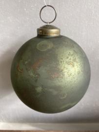 Mat groene kerstbal met koper