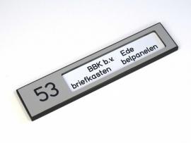 Naamplaathouder 140x30 zilvergrijs, nummer links (webart035)