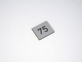 Nummerplaat 25x21 Grijs/Zwart, gegraveerd (webart063)