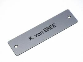 Naamplaat 100x25 Aluminium/Zwart, gegraveerd (webart016)