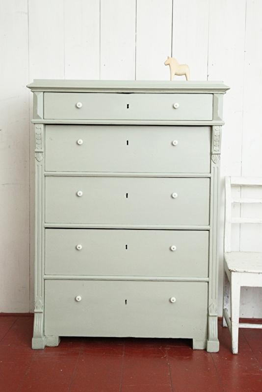 Ladenkast in grijs-groen