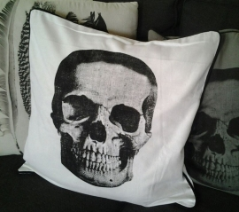 jn2300 Kussenhoes Skull - wit