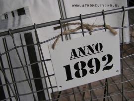 709300 Metalen bordje ANNO 1892