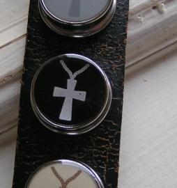 108 Clickbutton Kruis - zwart  -LAATSTE-