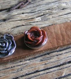 102 Clickbutton Roos bruin