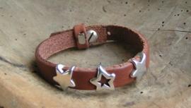 024 Leren armband met sterren - bruin