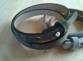 Suède armband - olijfgroen