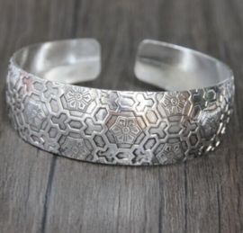 Bohemian Bangle Graphic - breed