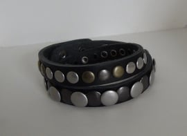 Wikkel armband Studs -zwart