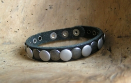 026 Leren armband Studs - zwart