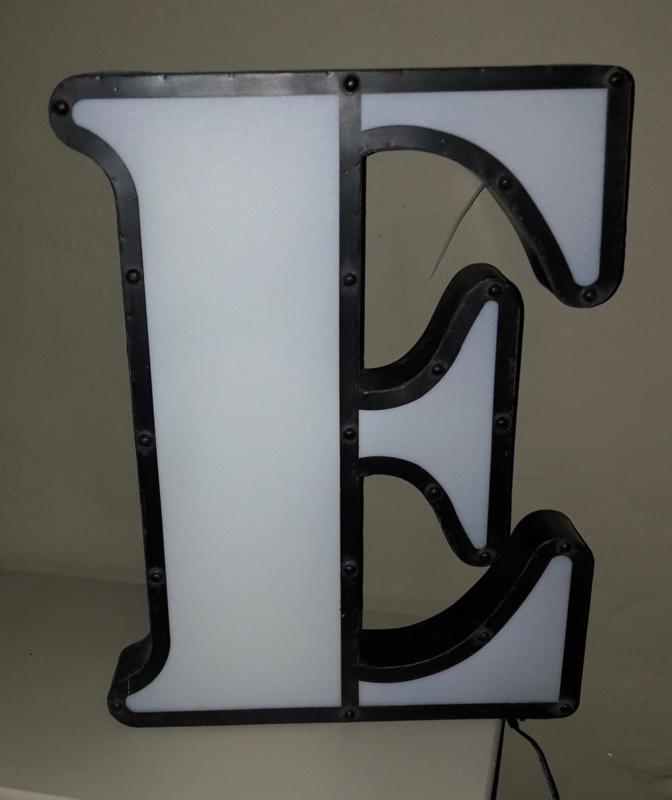 Led lamp letter E - large