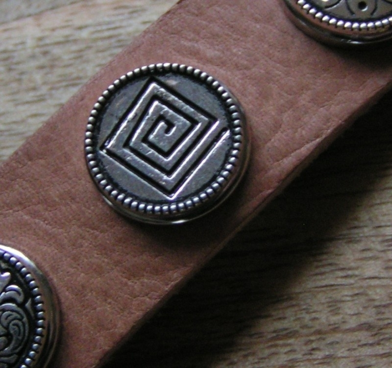 110-2 Clickbutton Oudzilver- Square