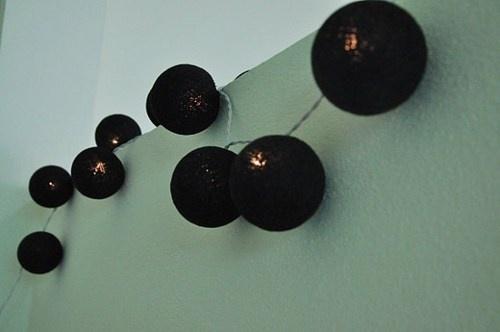 1026-10 Cottonball lights -zwart