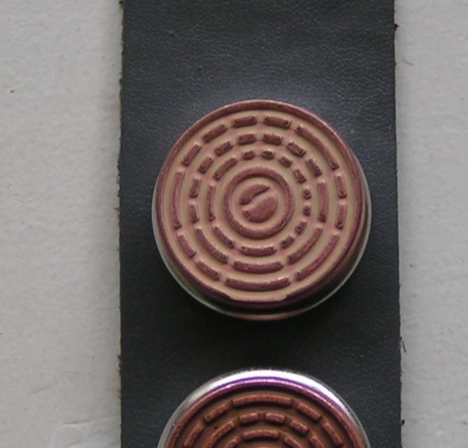 105 Clickbutton Copper/offwhite