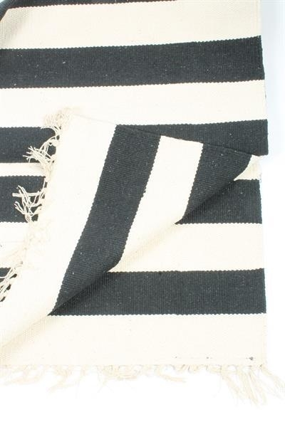 Vloerkleed Stripes, 140x200 cm.