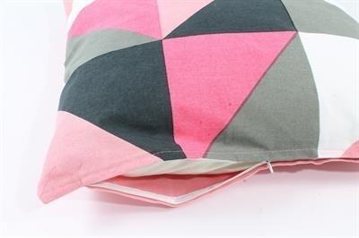 ka111 Kussenhoes Triangle - roze